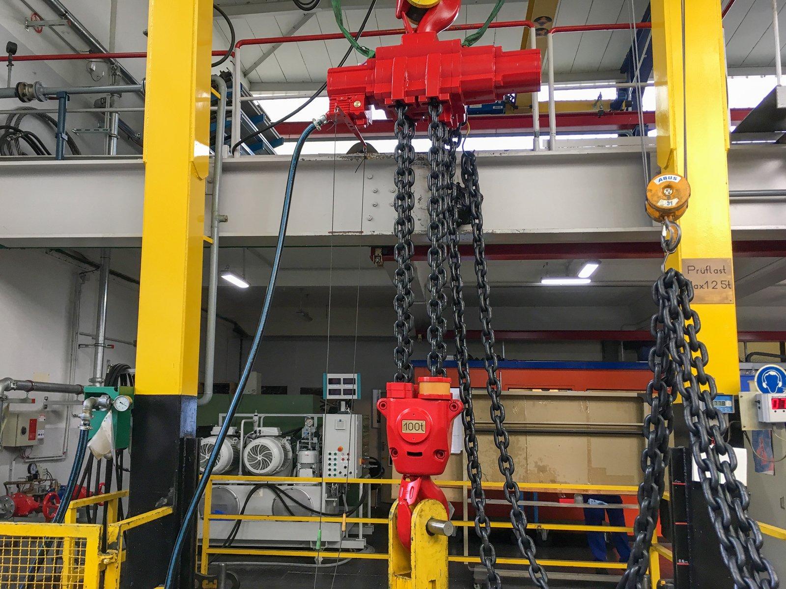 Druckluftkettenzug für Maschinenmontagen