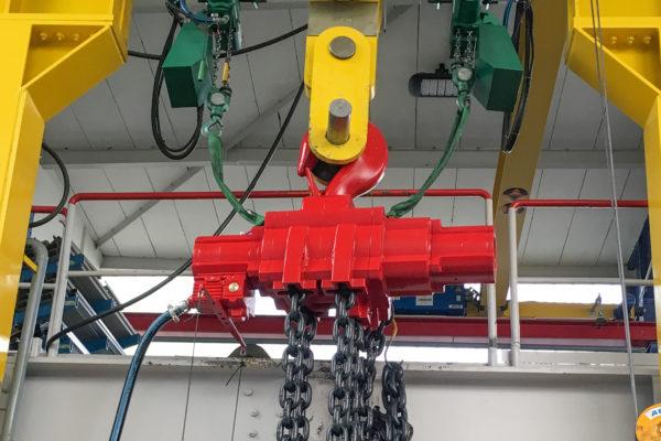 Druckluftkettenzug für Maschinenverlagerungen