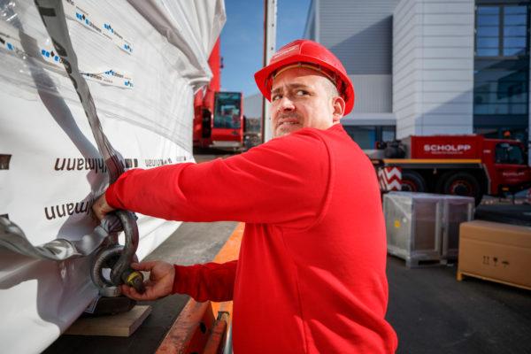Richtige Ladungssicherung für Maschinentransporte